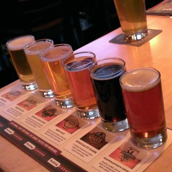 Beer Sampler - Rock Bottom Brewery Restaurant - Chicago, Chicago, IL