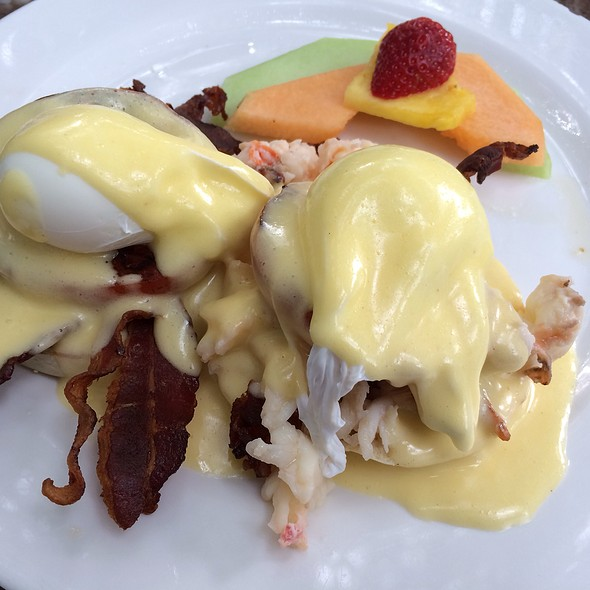 """BLT"" Lobster Eggs Benedict"