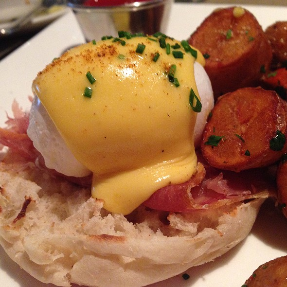 Egg Benedic - Sonoma Restaurant + Wine Bar, Washington, DC