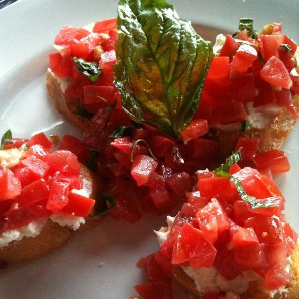 Tomato & Goat Cheese Crostini - Sevy's Grill, Dallas, TX