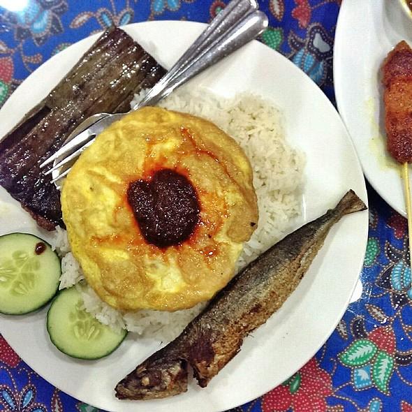 Nasi Lemak @ Lion City Restaurant