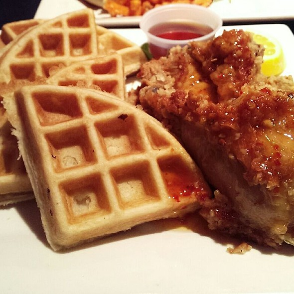 Chicken and Waffles @ Harlem Restaurant