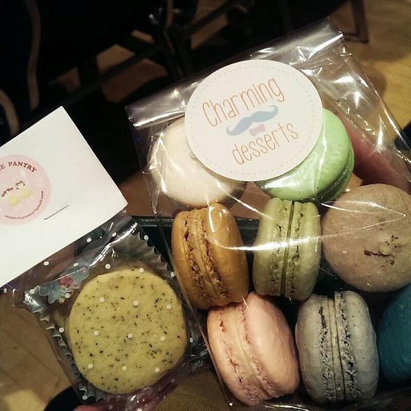 Macarons @ Charming Desserts
