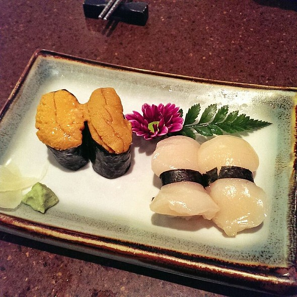 Uni And Scallop Sushi  @ Gal's Sushi