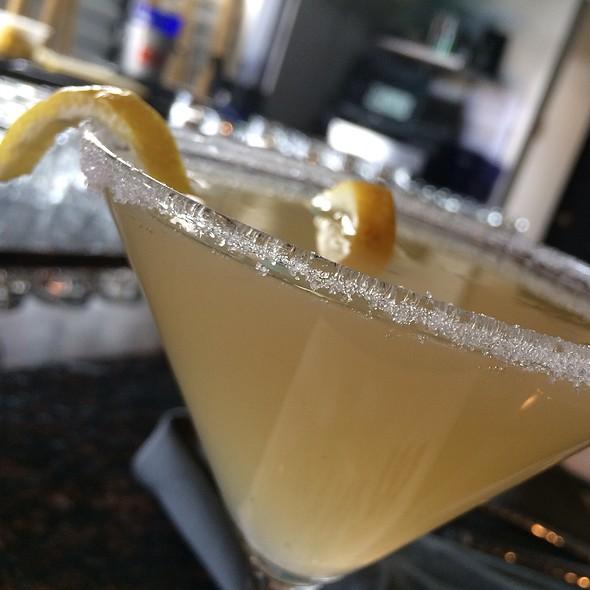 Lemon Drop Martini @ Wangs In The Desert