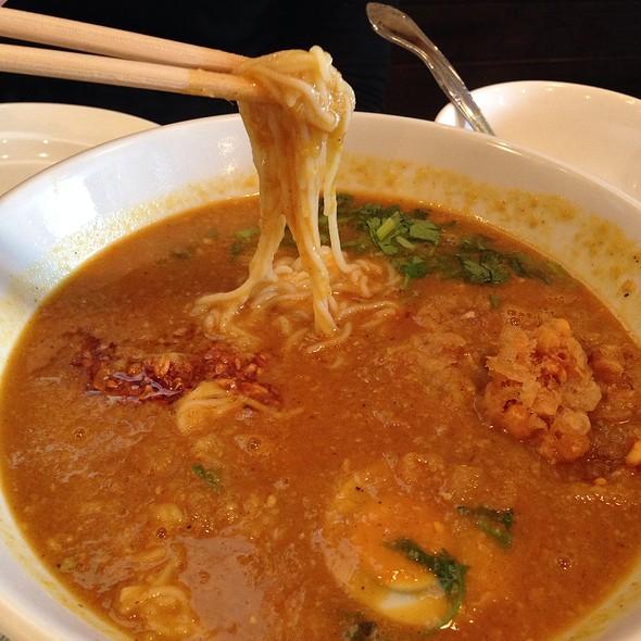 Dagon burmese restaurant menu honolulu hi foodspotting for Rice noodle fish