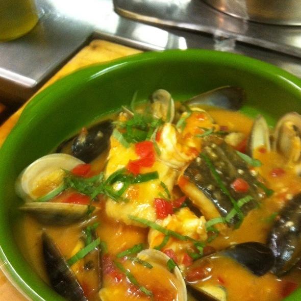 Bouillabaise In Light Tomato Sae Food Sauce Garnished W/ Basil(Cod,Shrimp,Mussels,Salmon,Scallop,Clams) - MOONSTRUCK - PHILADELPHIA, Philadelphia, PA