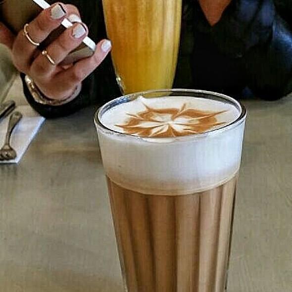 Vanilla Cream Latte @ L'etto