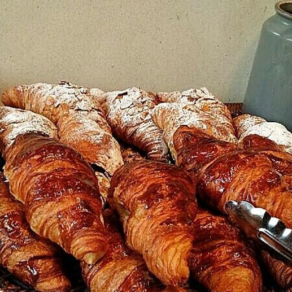 Croissants @ L'etto