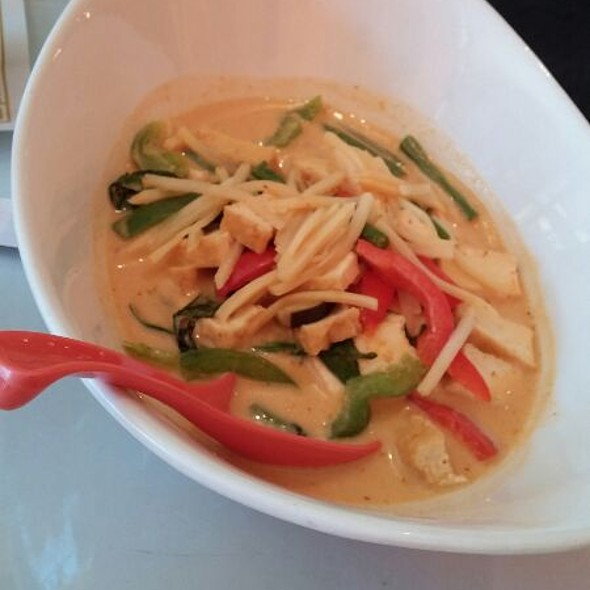 Red Curry Noodles @ Noodle Zone