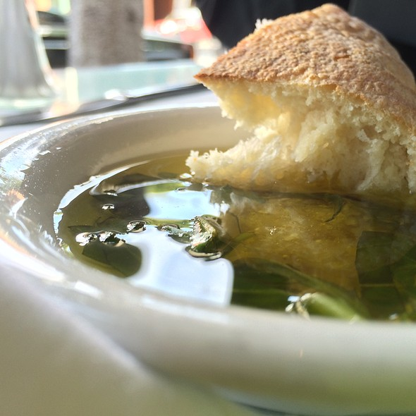Bread And Garlic Olive Oil @ La Vecchia