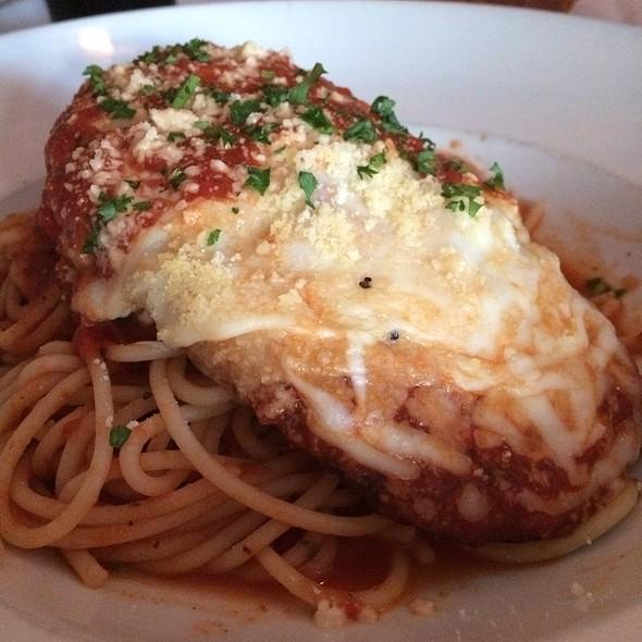 Chicken Parmigiana @ Valenti's