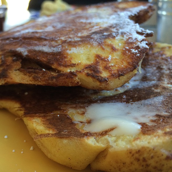 Giant Cinnamon Roll French Toast @ Polly's Pies