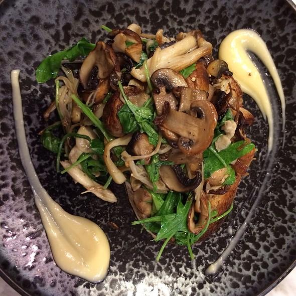 Wild Mixed Mushroom @ CoffeeHead