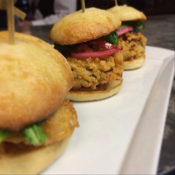 Barcat Oyster Sliders @ Terrapin Restaurant
