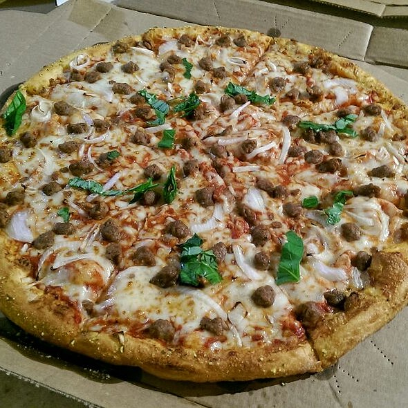 Large Pizza With Ground Meat And Onions @ Domino's Pizza
