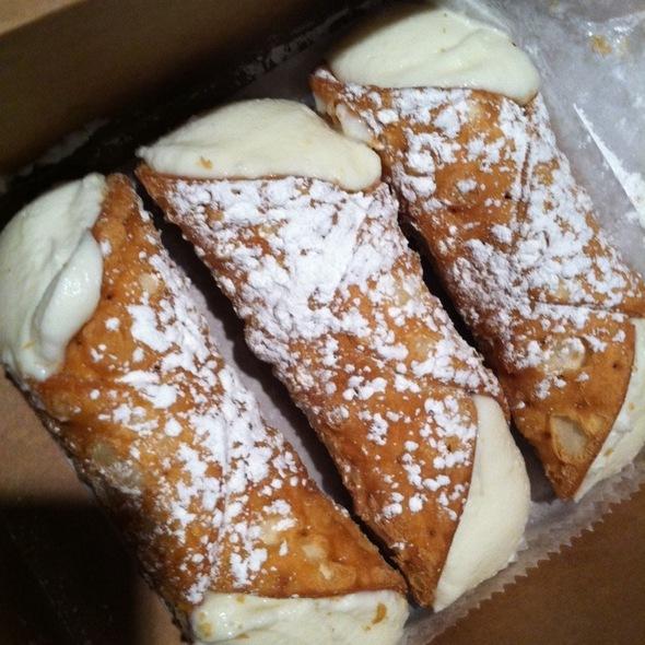 Cannoli @ Modern Pastry