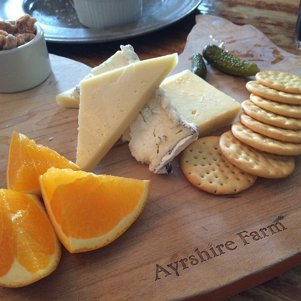 Cheese Plate - Hunter's Head Tavern, Upperville, VA