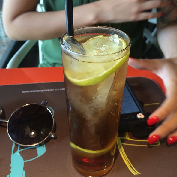 Chá Gelado De Pêssego @ Amika Coffeehouse