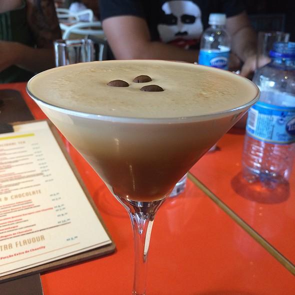 Drink De Café Com Suco De Limão @ Amika Coffeehouse