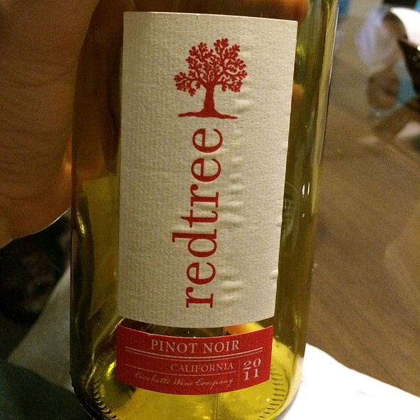 Redtree Pinot Noir @ Home
