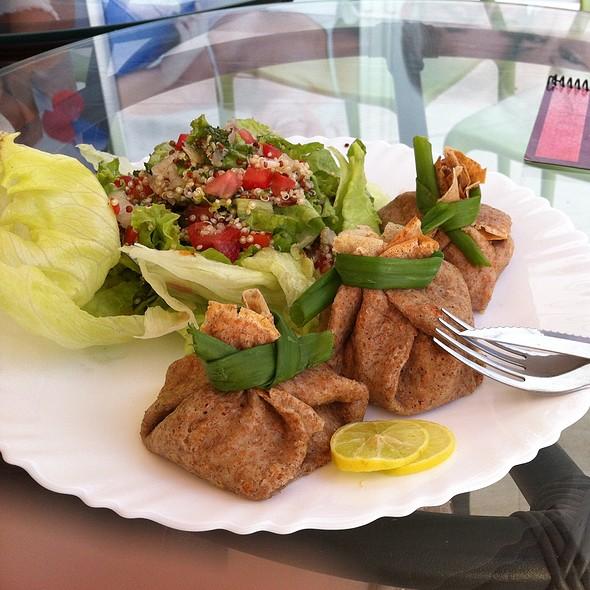 Crepe De Atum Com Salada De Quinoa @ Lá Na Creperia