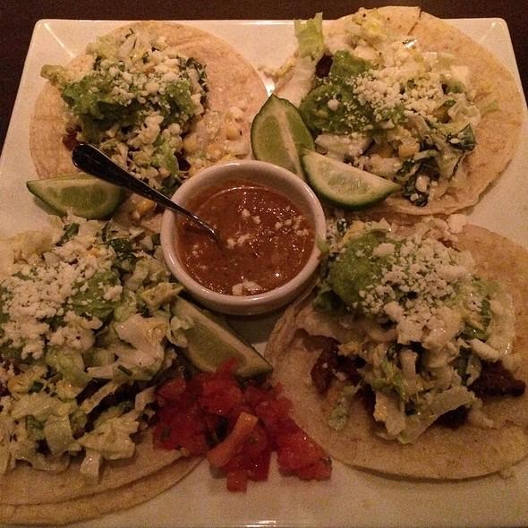 Carnes Asada Tacos - Montarra, Algonquin, IL