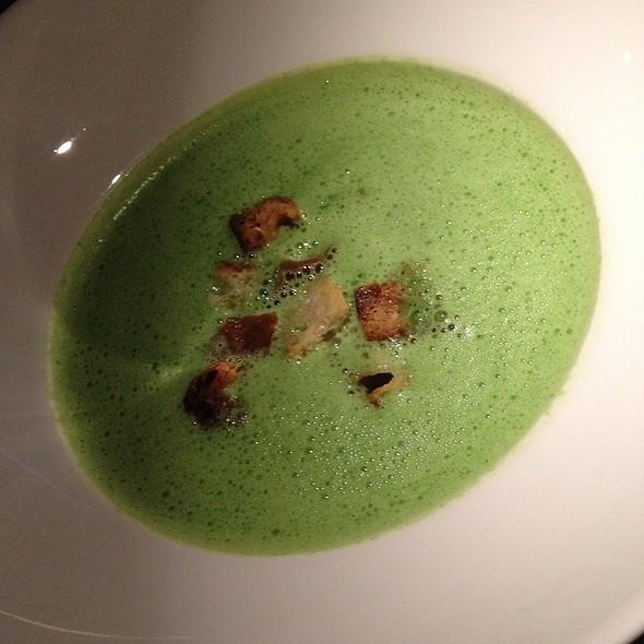 Bärlauchcremesuppe @ FLAVOUR Weinbar Restaurant