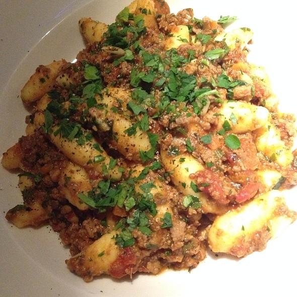 Gnocchi Mit Kalbfleischragout @ FLAVOUR Weinbar Restaurant