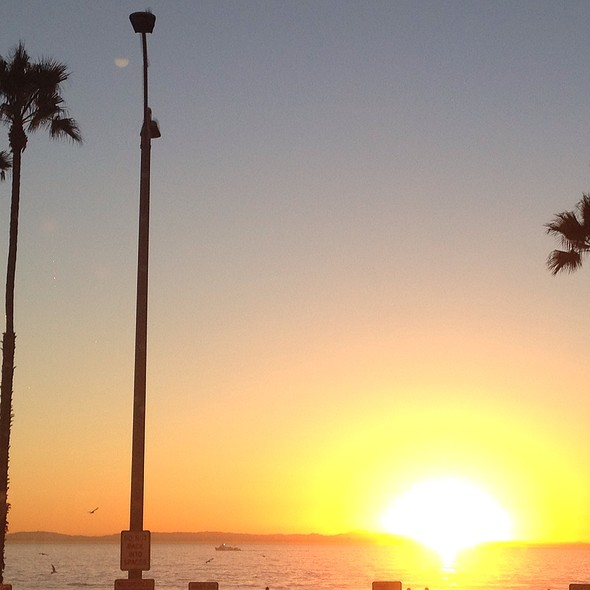 Dinner At Sunset - 21 Oceanfront, Newport Beach, CA