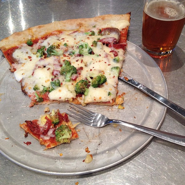 Mozzarella, Sausage, Pepperoni, Broccoli, Artichokes & Sundried Tomatoes @ Lazy Moon Pizza