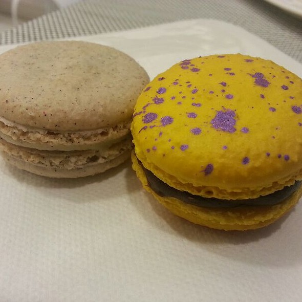 Vanilla And Earl Grey Macarons @ Tout Sweet Patisserie