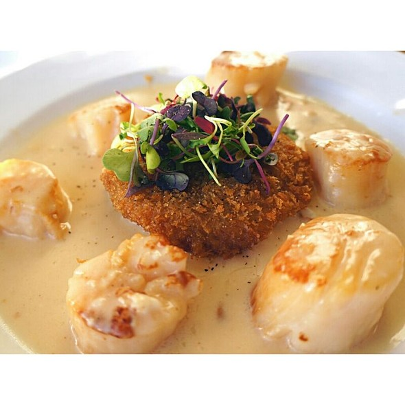 Seared Sea Scallops - Ocean House Restaurant, Honolulu, HI