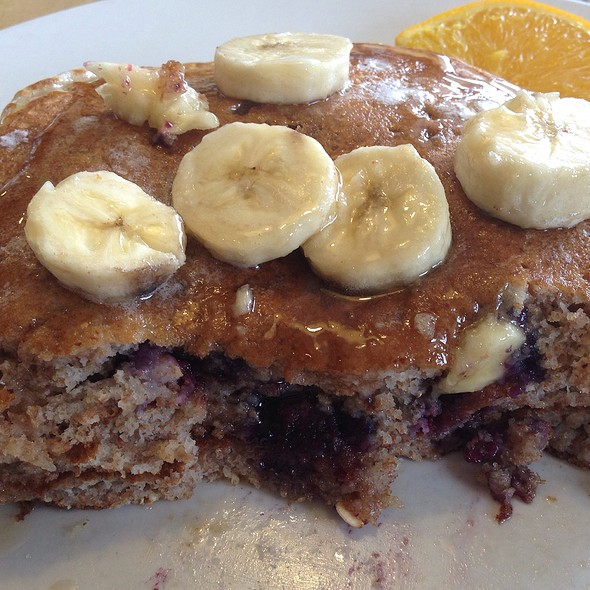 Banana-Blue Crunch Cakes