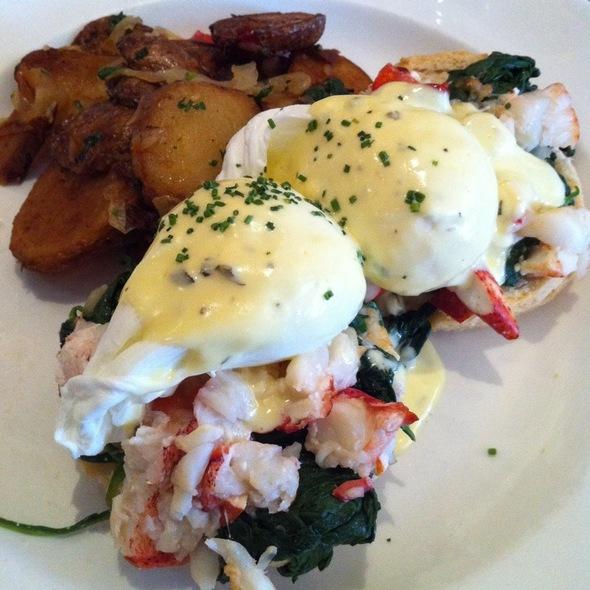 Lobster Benedict @ Jane