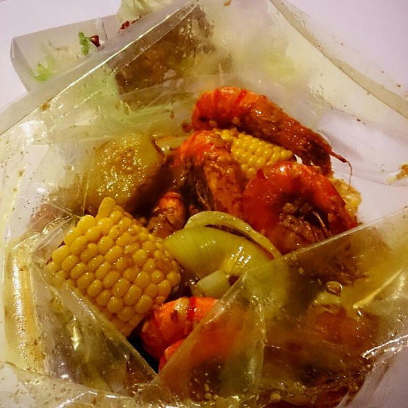 Prawns In Caboodle Boil @ Crab In Da Bag
