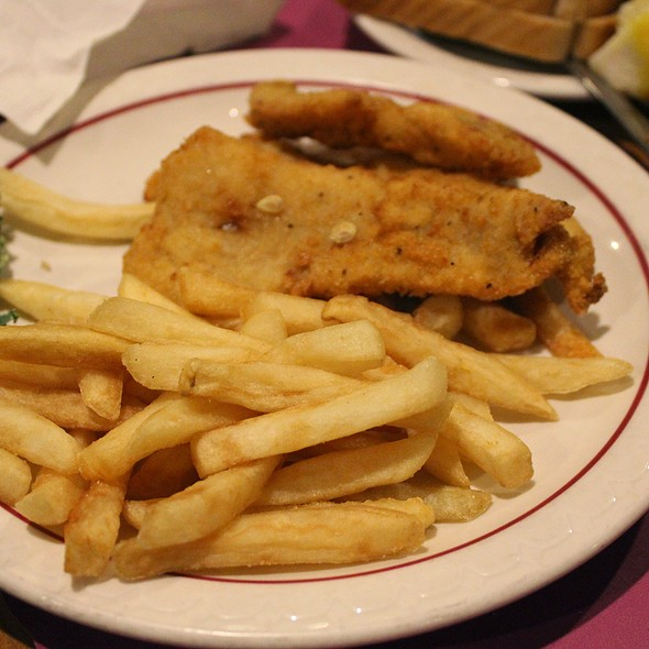 Friday Fish Fry @ Robbins Restaurant