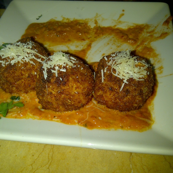 Fried Mac & Cheese @ Cheesecake Factory