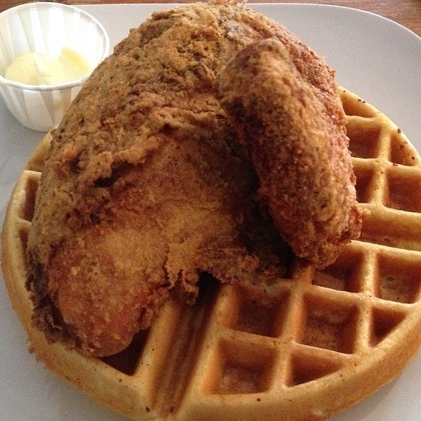 Chicken And Waffle @ dave's american bistro