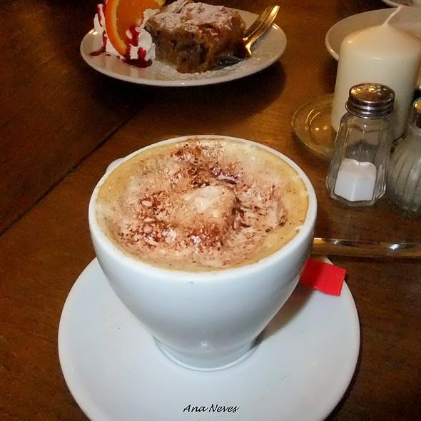 Cappuccino @ Pois, Café