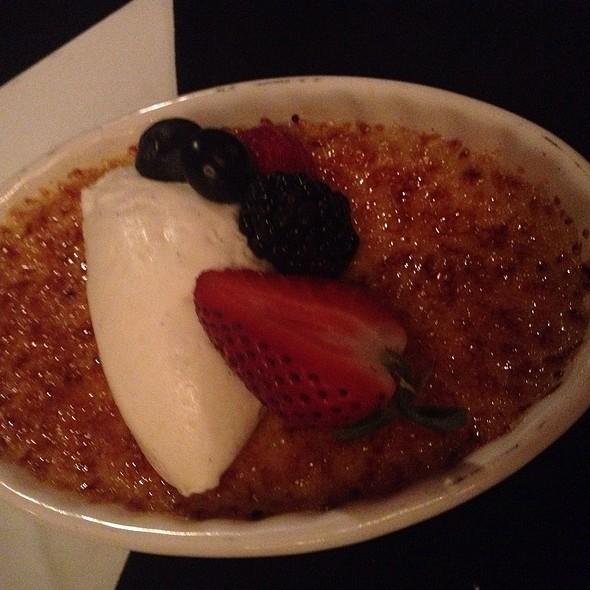 Vanilla Creme Brulee - POP Champagne Bar & Restaurant, Pasadena, CA