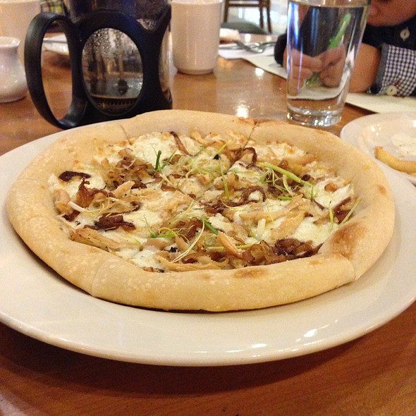 Roasted Chicken Pizza @ California Pizza Kitchen