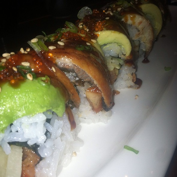 Spicy Tuna Roll Topped With Unagi And Avocado