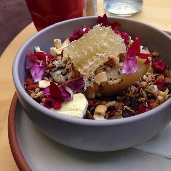 Devon's Granola @ Devon Cafe