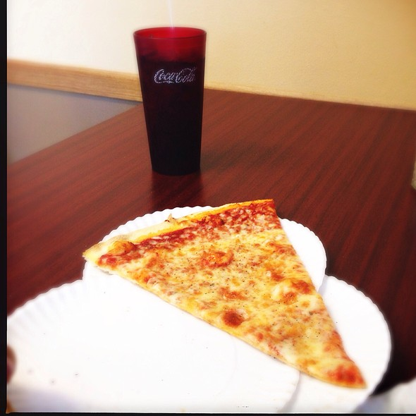 Cheese Pizza Slice @ Torrelli's Pizza