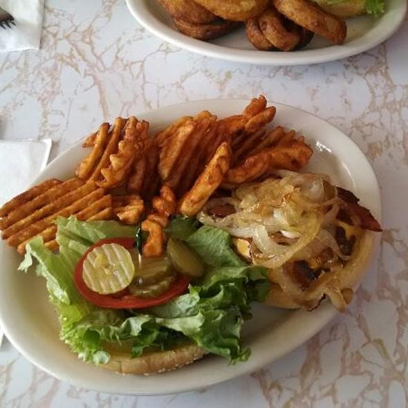Bacon Cheeseburger @ Big Scoops