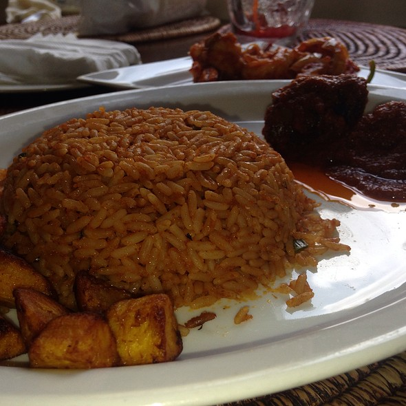 Jollof Rice With Plaintain And Beef