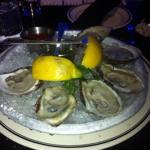 Naked Oysters - Oceanaire Seafood Room - Minneapolis, Minneapolis, MN