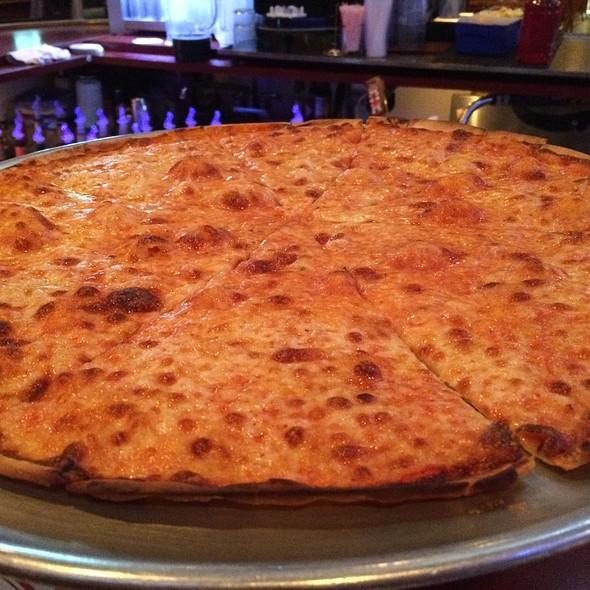XL PIZZA @ Pete & Elda's Carmen Pizzeria