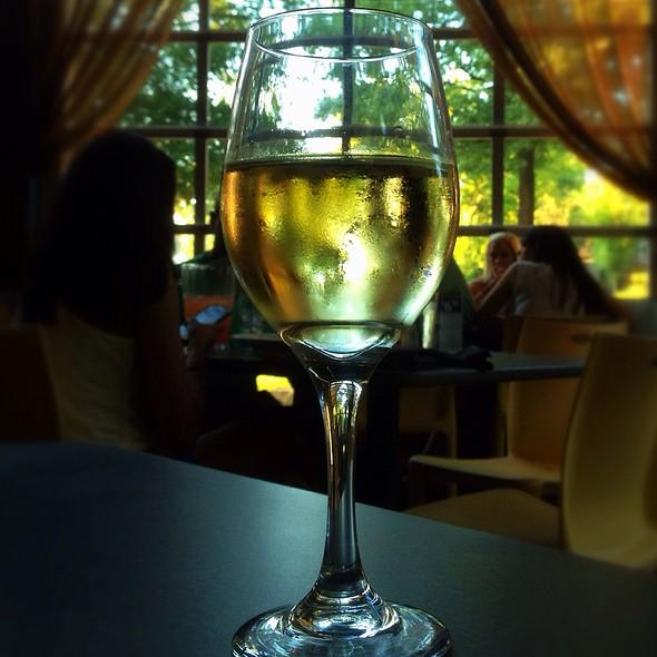 2011 Gato Negro Chardonnay - Cabana, Nashville, TN